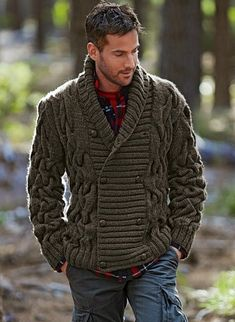 Made to Order Men cable hand knit cardigan Rugged Style, Man Style, Look Man, La Mode Masculine, Herren Outfit, Hand Knitted Sweaters, Knitted Cat, Thick Sweaters, Inspiration Mode