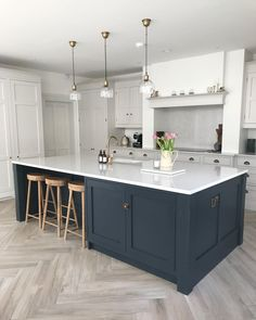 72 Adorable White Kitchen Design Ideas For You ~ House Design Ideas Open Plan Kitchen Living Room, Kitchen Dining Living, Home Decor Kitchen, Interior Design Kitchen, New Kitchen, Home Kitchens, Kitchen Ideas, Island Kitchen, Kitchen Wood