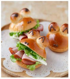 Kids Meals Top 20 Bread Recipes For Kids That You Can Try Today - Looking for healthy and easy bread recipes for kids? Here we present 20 quick bread recipes for kids, that are little beyond from normal. Read on and try today! Bread Recipes For Kids, Fun Easy Recipes, Cooking Recipes, Snacks Recipes, Cooking Food, Cute Food, Good Food, Yummy Food, Bread Shaping