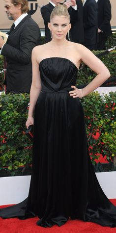 2016 SAG Awards Red Carpet Arrivals - Anna Chlumsky in Christian Siriano