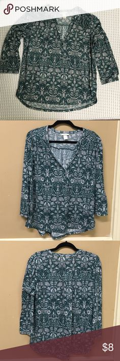H&M medium green and white blouse H&M blouse size medium. It is green and white floral print , 3/4 sleeve, and 100% polyester. H&M Tops Blouses