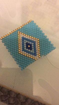 Daisy Necklace, Bead Loom Bracelets, Native American Beading, Peyote Patterns, Peyote Stitch, Bracelet Tutorial, Brick Stitch, Crafty Craft, Loom Beading