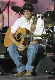 """George Strait's eigth number one single (his sixteenth single overall) """"Nobody In His Right Mind Would've Left Her"""" from his seventh non-compilation album """" Country Music Singers, Country Songs, Country Man, Music Songs, My Music, Music Clips, Guitar Songs, Music Videos, Strait Music"""
