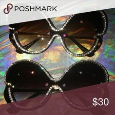 GLITZ-n-FLY Wanna make a statement? Here ya have it! Big and over the top! Accessories Sunglasses