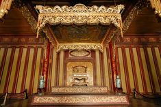 Beautiful Vietnam, Absolute Power, Kings Crown, Ho Chi Minh City, Tour Guide, Hue, Museum, Tours, Antiquities