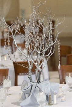 I love these kinds of centerpieces.  so elegant