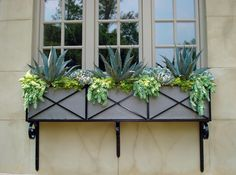 Window Boxes Design Ideas, Pictures, Remodel, and Decor - page 21 Balcony Railing Planters, Window Planter Boxes, Diy Planters, Balcony Flower Box, Flower Boxes, Large Wooden Planters, Gutter Garden, Porche, Love Garden