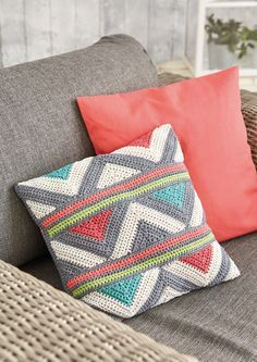 """podkins: """" Crochet Pillow schachenmayr shares a free crochet pattern for this geometric pillow / cushion. Cushion Cover Pattern, Crochet Cushion Cover, Crochet Pillow Pattern, Crochet Cushions, Tapestry Crochet, Crochet Patterns, Cushion Covers, Crochet Blocks, Afghan Patterns"""