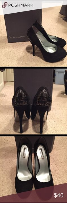 📢📢 NWB H by HALSTON Suede Pumps 📢💥☠️ NWB PRISTINE Suede pumps with DTM metal detail at heel. Never worn, preserved in original box! H by Halston Shoes Heels