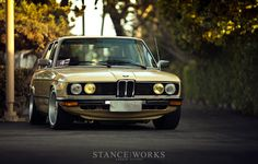 Stance BMW E12