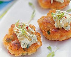 Looking for a wholesome recipe to gather the whole family? Then try our delicious prawn fritters recipe. Shrimp Fritters, Prawn Cocktail, Seafood Salad, Cream Cheese Recipes, Appetisers, Savoury Dishes, Antipasto, Salmon Burgers, Seafood Recipes
