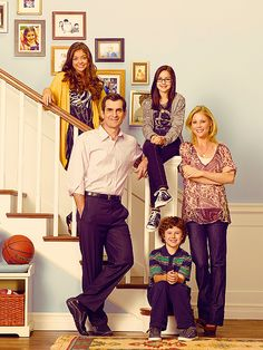 Modern Family 'Yard Sale': Do TV Writers Still Have a Social and ...