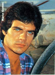 Astros em Revista: MARIO GOMES -  O PREÇO (ALTO) DE SER BELO Mario, Vera Cruz, Baby Boomer, Journalism, Vintage Men, All Star, Beautiful People, Nostalgia, Handsome