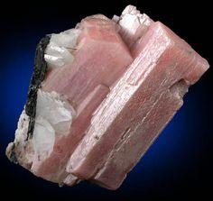 Serandite a(Mn2+,Ca)2Si3O8(OH) from Poudrette Quarry, Mont Saint-Hilaire, Québec, Canada