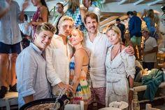 Marie Chantal Of Greece, Greek Royalty, Royal Photography, Family World, Photos Of Prince, Bette Midler, Summer Pants, Princess Mary, Royal Fashion
