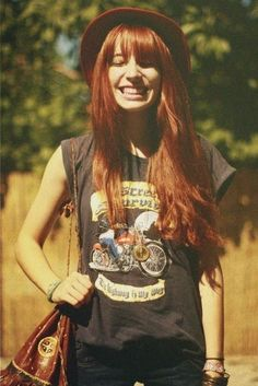 Her haiirr, thinking maybe I should dye my hair this colour. It's just sooo gorgeous!