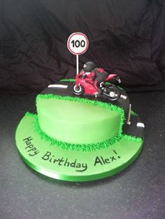 motorbike cake Motorcycle Birthday Cakes, Motorcycle Cake, Bithday Cake, Adult Birthday Cakes, Fun Cupcakes, Cupcake Cakes, Motor Cake, Cake Design For Men, Bike Cakes