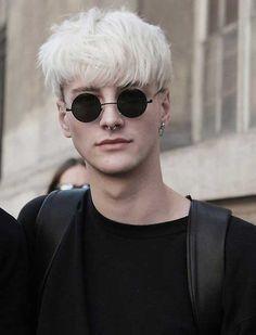 10 meilleurs garçons aux cheveux blonds - Coiffures élégantes et modernes