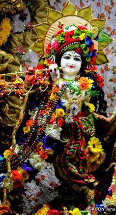 Krishna Statue, Krishna Hindu, Radha Krishna Photo, Krishna Radha, Krishna Mantra, Durga Images, Lord Krishna Images, Radha Krishna Pictures, Krishna Photos