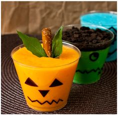 Cake Whiz | Halloween spooky pudding cups #Halloween #HappyHalloween #kids #children #preschool #prek #kindergarten #toddler #party #dessert #snack #pudding #jackolantern #ghost #pumpkin #food #easy #simple #decoration #decor #fun #October #Halloween #happyhalloween