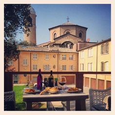 #Ravenna - Breakfast next to the Cathedral