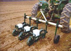 Afbeeldingsresultaat voor tractor seeder small