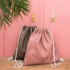 Price: Sports bag is the modern substitution of classic handbag. It's made of high quality material, very spacious and practical. Material: polyester Measurements: 44 x Price: Bamboo Socks, Fur Bag, Patterned Tights, Classic Handbags, Girls Bags, Sport Girl, Drawstring Backpack, Fashion Accessories, Polo
