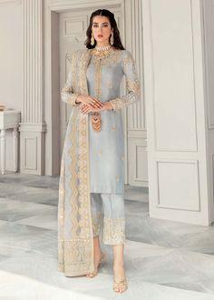 Pakistani Formal Dresses, Pakistani Fashion Party Wear, Pakistani Couture, Pakistani Dress Design, Pakistani Outfits, Indian Outfits, Indian Party Wear, Dress Indian Style, Indian Fashion Dresses