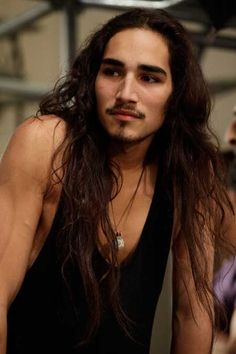 Very long hairstyles for men, Willy Cartier Willy Cartier, Boys Long Hairstyles, Haircuts For Men, Long Haircuts, Hair Styles 2014, Long Hair Styles, Native American Men, Actrices Sexy, Very Long Hair