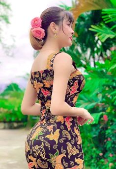 Stylish Girl Images, Beautiful Women Pictures, Beautiful Girl Image, Beautiful Hijab, Beautiful Asian Women, Model Girl Photo, Asian Model Girl, Burmese Girls, Myanmar Women
