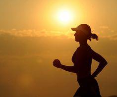 Olá pessoal!! De fato, caminhar é a única atividade a qual todos os especialistas médicos coincidem ser ideal para os pacientes diabéticos. O paciente diabético Tipo II em média tem acima de 50 ano…