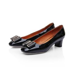 a1b67042f61 462 Ferragamo Plain-toe Pump in Black