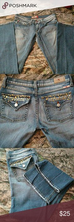 Faded level x jeans size 3 Great condition worn very few times before I grew out if them. Mixture of dark and light colored denim with cute gold design pockets. Size 3. Please ask any questions you have. I'm moving and all must go please send an offer(: lvl x Jeans Boot Cut
