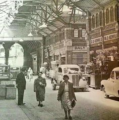 George's Street Arcade Local History, World History, Old Pictures, Old Photos, Photo Engraving, Dublin City, Old Photographs, Dublin Ireland, Historical Pictures