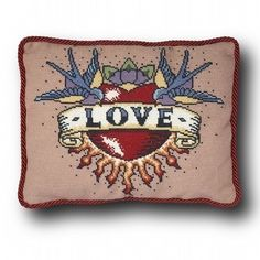 Amour tatouage Cross Stitch Kit petit par emilypeacocktapestry