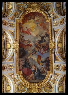 San Luigi Dei Francesi Ceiling    The frescoes on the ceiling depicting St Louis were painted in 1756 by Charles Joseph Natoire, famous for his paintings at Versailles