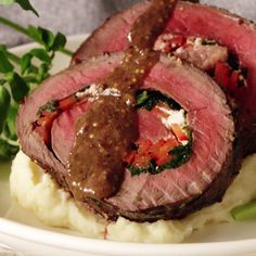 Rolled Roast Beef with Herb Butter Stuffed with veggies and cottage cheese, this herby beef dish is packed with tons of flavor. Roast Beef with Herb Butter Stuffed with veggies and cottage cheese, this herby beef dish is packed with tons of flavor. Tasty Videos, Food Videos, Hacks Videos, Recipie Videos, Diy Videos, Meat Recipes, Dinner Recipes, Healthy Recipes, Oven Recipes