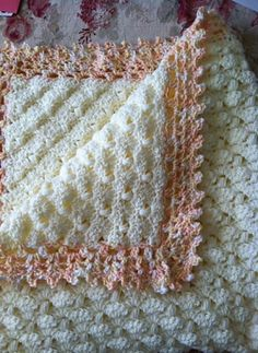 Peppermint Puff Baby BlanketThis crochet pattern / tutorial is available for free... Full post:Peppermint Puff Blanket