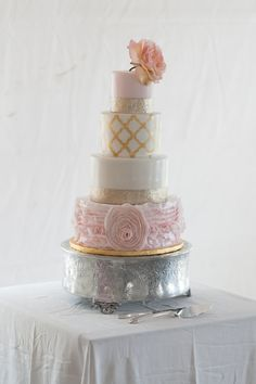 Baker: Millinocket Cake Co. / Photo: Ryan & Brandi Photography
