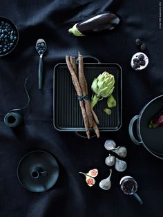 """""""To eat black food is something unusual and weird, it's linked with the idea of something forbidden or with magical food…"""" Li Edelkoort, Swedish Elle Magazine Coffee Table Styling, Cool Coffee Tables, Food Design, Dark Food Photography, Black Food, Root Vegetables, Veggies, Mets, Food Styling"""
