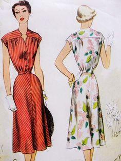 50s SLEEK Dress Pattern McCALL 8425 Lovely Notched Keyhole Neckline Flattering Flared Skirt Bust 30 Vintage Sewing Pattern FACTORY FOLDED di SoVintageOnEtsy su Etsy https://www.etsy.com/it/listing/234030031/50s-sleek-dress-pattern-mccall-8425