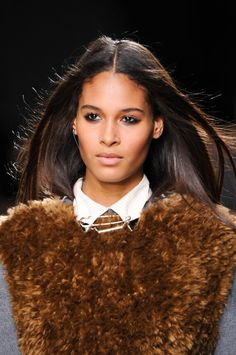 Topshop Unique Fall 2014 Ready-to-Wear fur