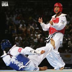 #FlashbackFriday: It was 11 years ago today that @StevenLopezTkd won GOLD at the 2004 Olympic Games!