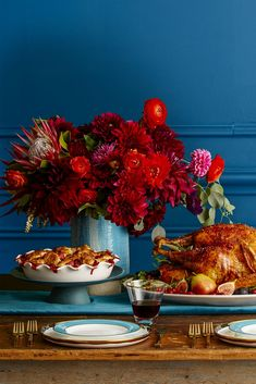 37 Easy Thanksgiving Centerpieces That Bring Elegance to Your Holiday Feast - Thanksgiving Flowers - Wheat Centerpieces, Diy Thanksgiving Centerpieces, Thanksgiving Flowers, Thanksgiving Diy, Thanksgiving Side Dishes, Thanksgiving Celebration, Thanksgiving Activities, Floral Centerpieces, Flower Arrangements