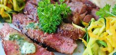 Cooking Beef steak is too good, too easy to make - Yummy Food channel Dieta Atkins, Best Crockpot Recipes, Steak Recipes, Healthy Recipes, Healthy Foods, Steak Appetizers, Foods With Iron, How To Cook Beef, Juicy Steak