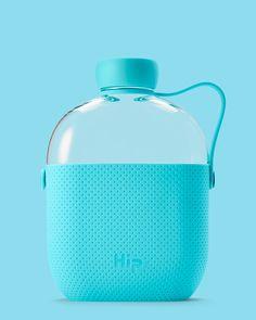 Hip water bottle - Designer Karim Rashid created the new Hip water bottle, a flask-shaped reusable bottle that features a sleek new design. Karim Rashid, Plywood Furniture, Cute Water Bottles, Design Studio, Design Design, Graphic Design, Philippe Starck, Lounge, Zaha Hadid