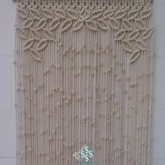 Cortina macramé modelo hojas en forma de arco. La hacemos para ti por encargo y a medida.