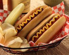 "Hot Dog Buns ""Take me out to the ball game"". with Rhodes yummy, easy hot dog buns. Sausage Recipes, Bread Recipes, Dog Recipes, Key Lime, 1950 Diner, Betty Crocker, Rhodes Bread, Rhodes Rolls, Homemade Hot Dogs"