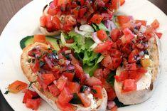 Bruschetta - olive, ail, tomate