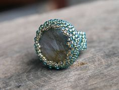 labradorite ring, gemstone ring, beaded ring, raw labradorite teal boho ring, beadwork art victorian rustic ring, koralikowyraj, seed bead